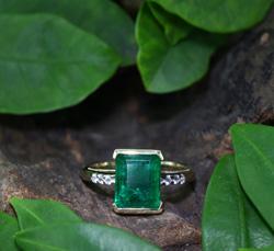 Nova Era-Smaragd-Goldring