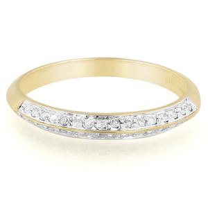 Schmuck für die Liebe bei Juwelo. Gelbgoldring mit Diamanten.