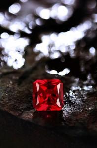 Der Rubin aus Tansania ist der neue Star unter den Rubinen. Wie wähle ich einen Rubin?