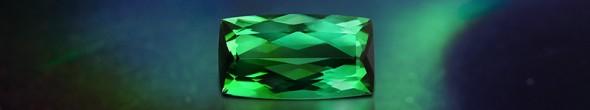 Grüner Sapo-Turmalin – bei Juwelo finden Sie eine große Auswahl an Gold- und Silberschmuck online.