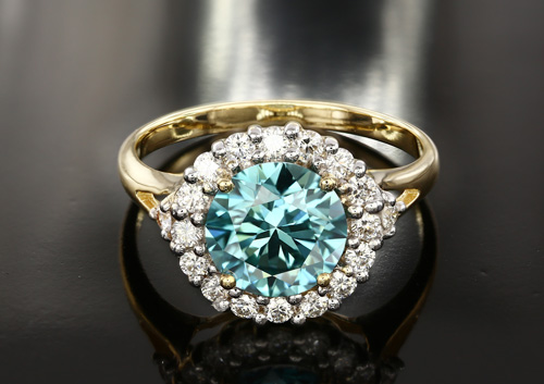 Goldring mit 2 ct schwerem Blauen VS2 Diamanten