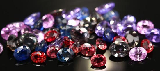 """Korunde - Saphire und Rubine gehören ebenfalls zu den """"großen Vier"""""""