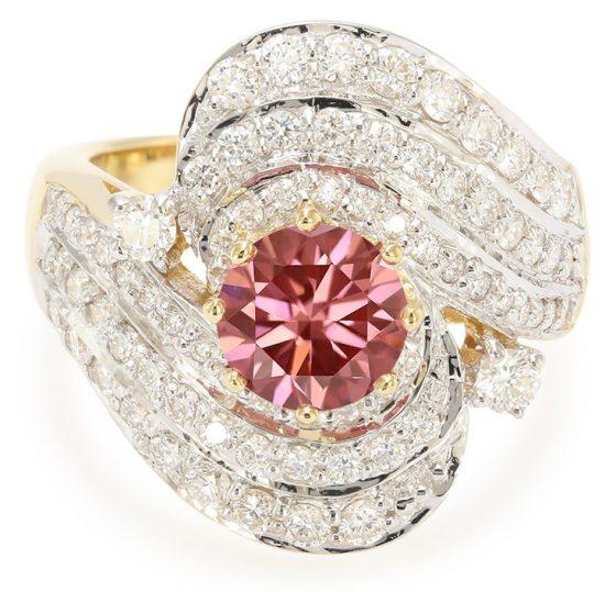 Pinkfarbener VS1 Brillant-Goldring - ein wahres Highligt!
