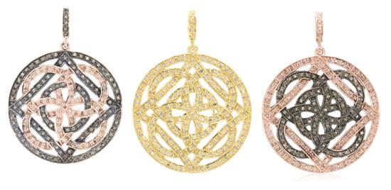 Amulette mit Schokoladen-Diamanten besetzt