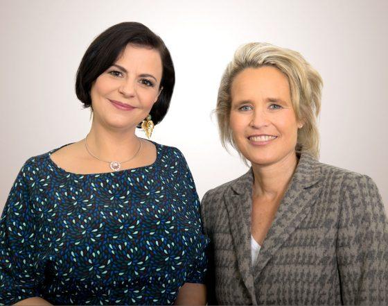 Juwelo-Geschäftsführerin Annette Freising und Geschäftsführerin SOS-Kinderdörfer Global Partner GmbH Sabine Fuchs