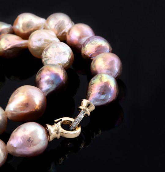 Perlenhalskette aus der The Pearl Collection