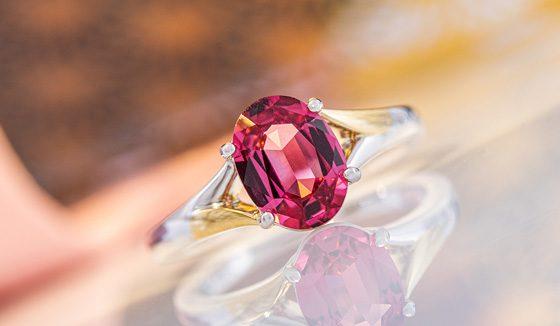 Pinkfarbener Spinell-Goldring